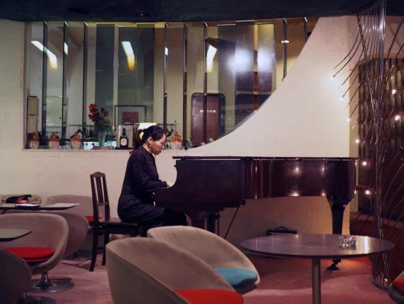 キングオブキングス・ピアノの生演奏