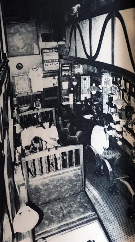 かなざわ喫茶村店内