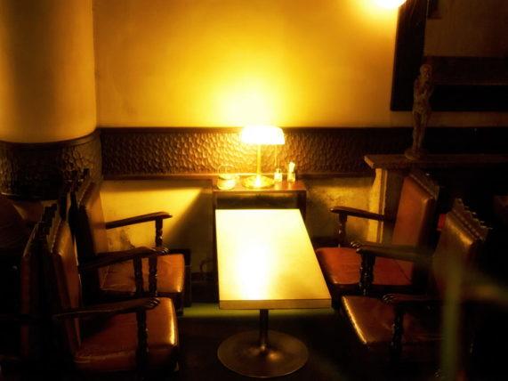 広島市中区の喫茶店「中村屋」の客席