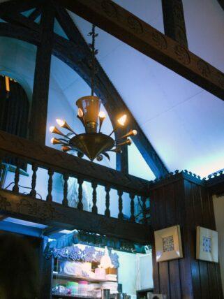 喫茶ソワレ・天井と照明