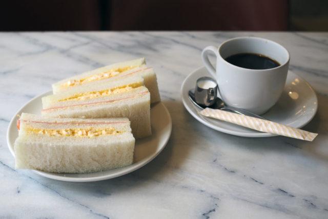新世界・喫茶ドレミのサンドイッチモーニング