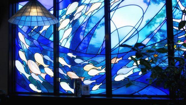 松山市・タイムトンネルのステンドグラス・魚