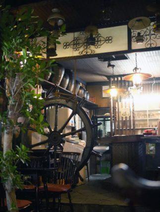 ポパイ喫茶店のカウンター
