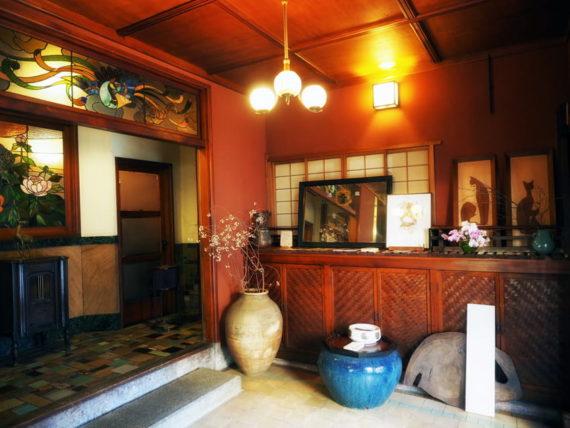 島原・きんせ旅館の玄関ホール