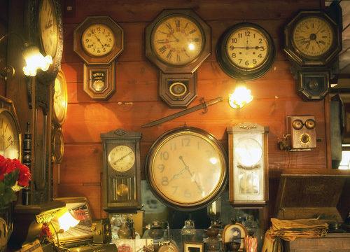 古時計店内