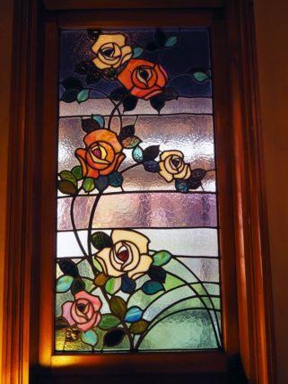 きんせ旅館・花のステンドグラス
