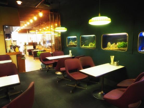 岡山・コーヒールームキャッスル_水槽の部屋
