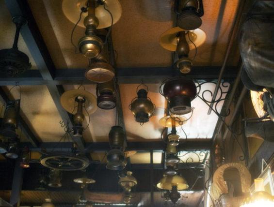 ポパイ喫茶店のランプ