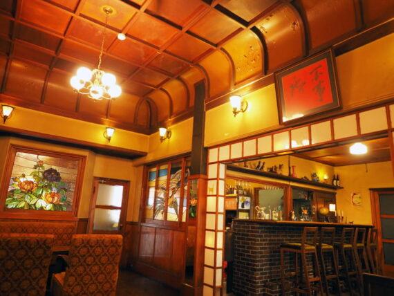島原・きんせ旅館のカフェとカウンター