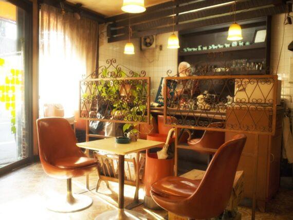 住吉・喫茶タンポポの店内