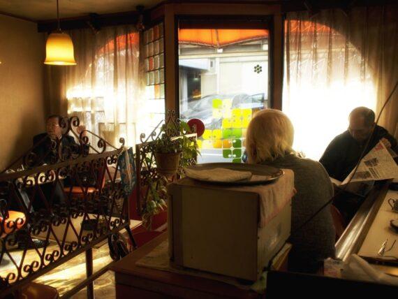 住吉・喫茶タンポポのホッとする店内