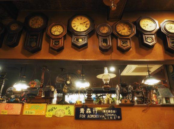 青森駅前・珈琲店マロンの掛け時計