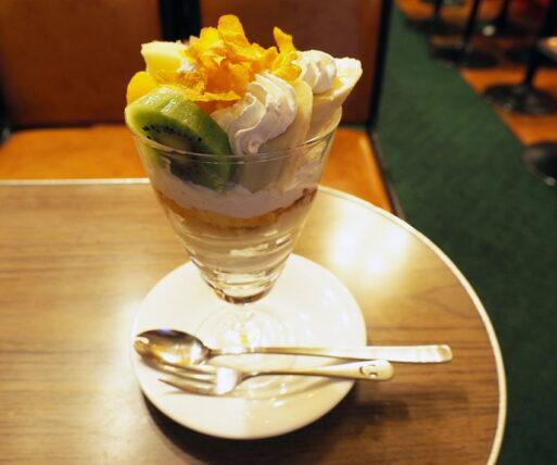 新世界・喫茶ブラザー・プリンパフェ