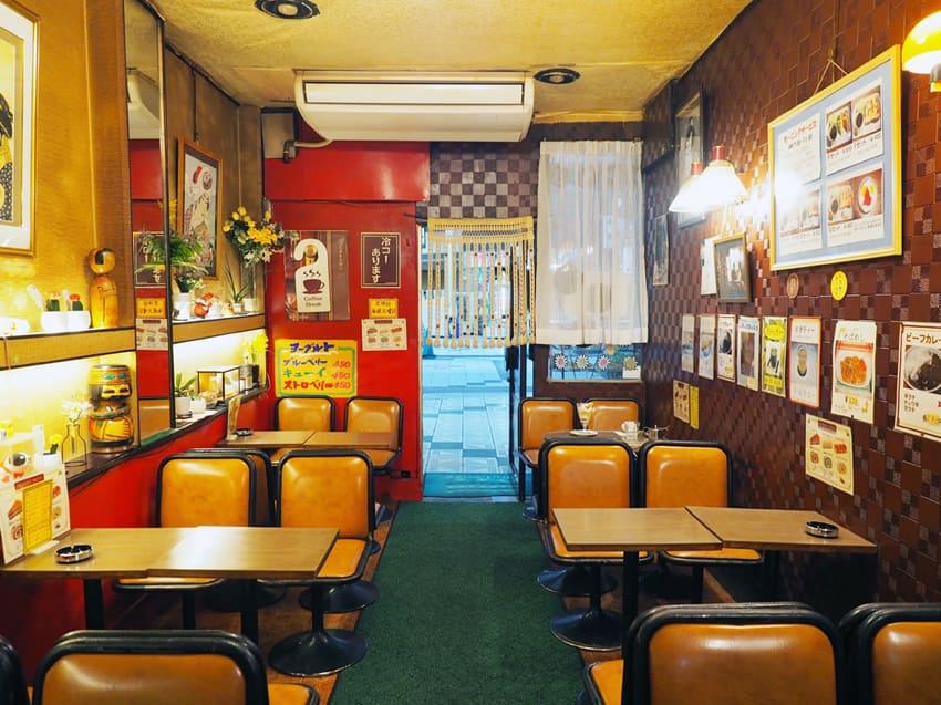 新世界・喫茶ブラザー店内の雰囲気