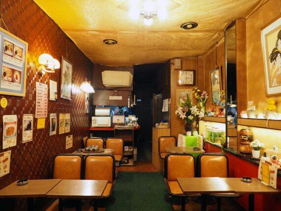 新世界・喫茶ブラザーの店内