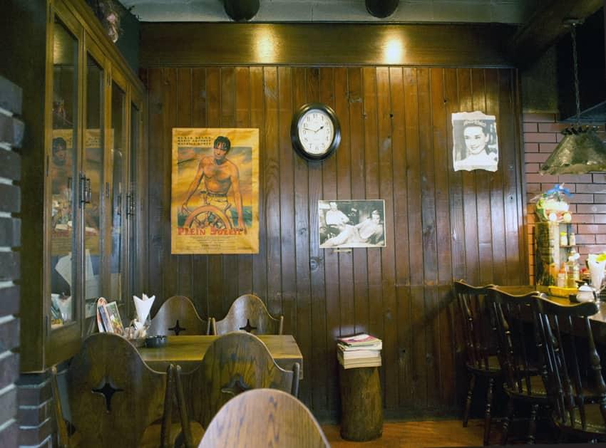 カフェ・バールこうべっこの内装