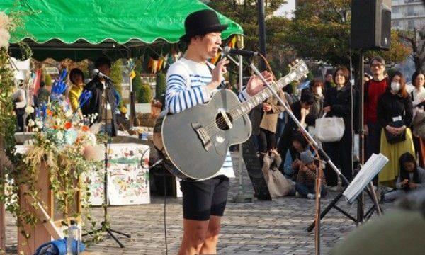 関西蚤の市のカジくんライブ