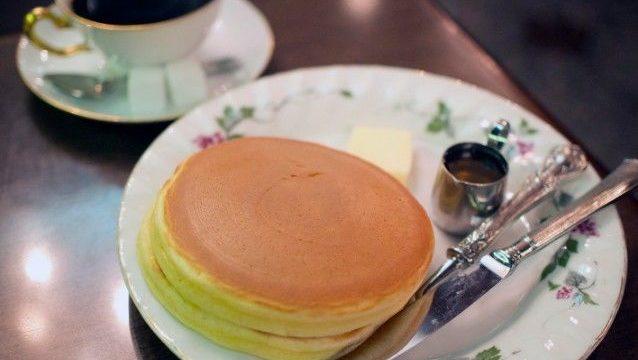 丸福珈琲店のホットケーキ