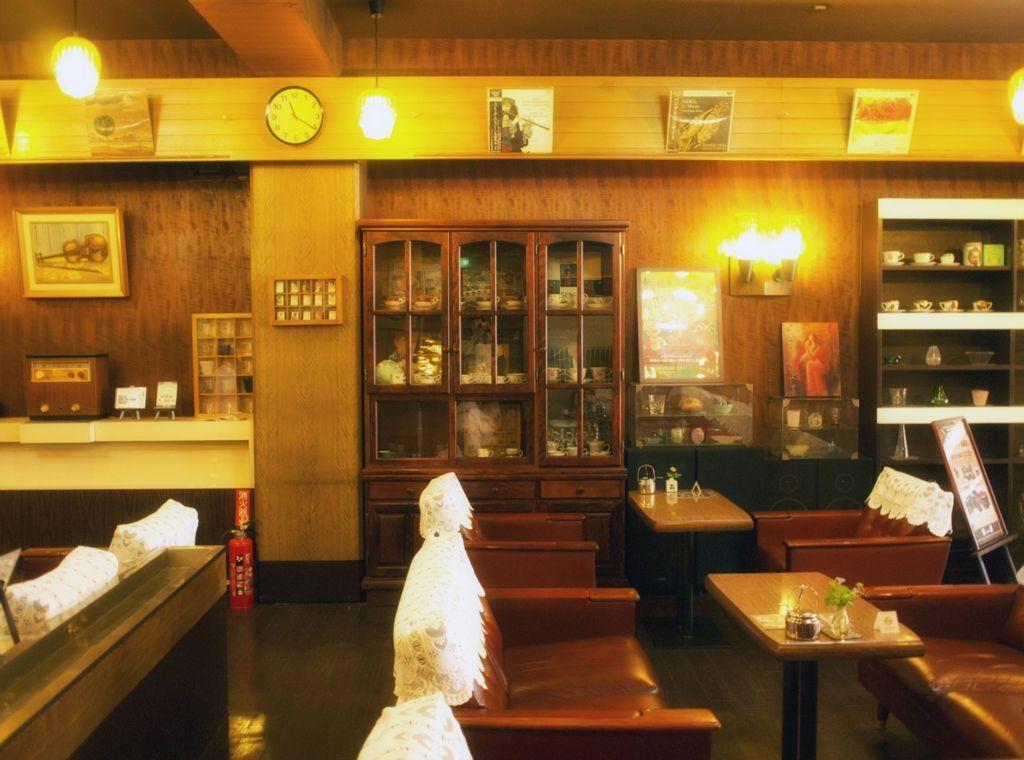 岡山・喫茶東京_二階
