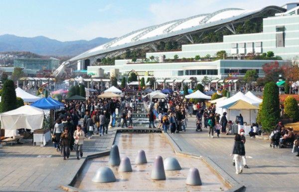 関西蚤の市2018-会場の様子
