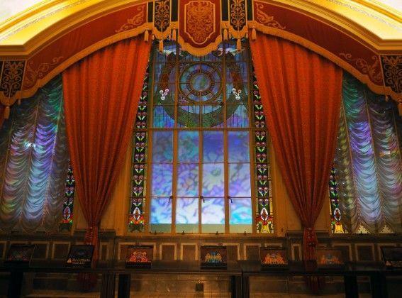 大阪市中央公会堂・夜のステンドグラス