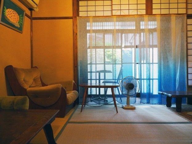 池田・プテア畳敷き店内