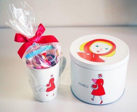 オードリー・スペシャル缶Sサイズと阪急限定マグカップ