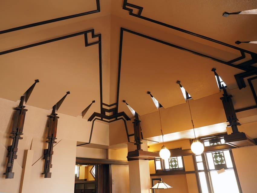 ヨドコウ迎賓館・食堂の天井
