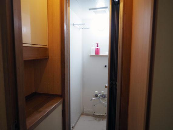 宿や平岩・シャワー室