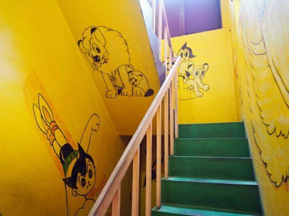 トロイカ&リビエラの階段の絵