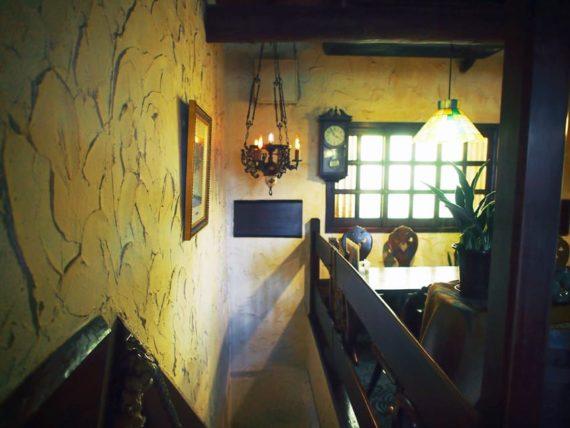 琥珀屋珈琲店の2階
