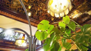 ファミリー喫茶レマンの照明