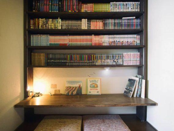 cafeすいらての本棚