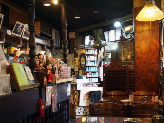 純喫茶蜜の店内