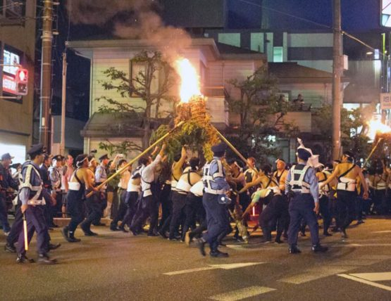 がんがら火祭り