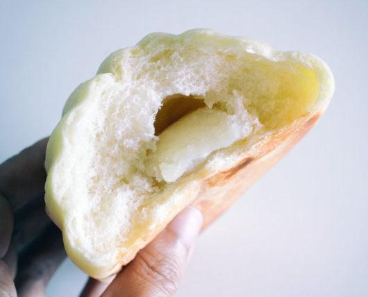 大正製パン所のメロンパンの中