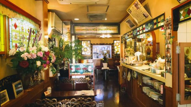 喫茶ラテンの店内1