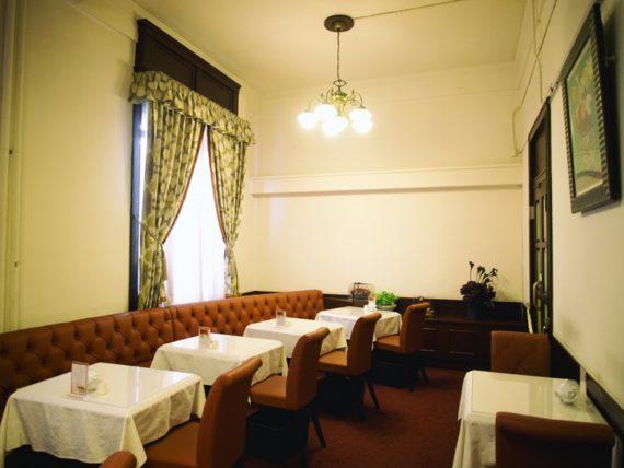 新井ビルの北浜五感喫茶室小部屋