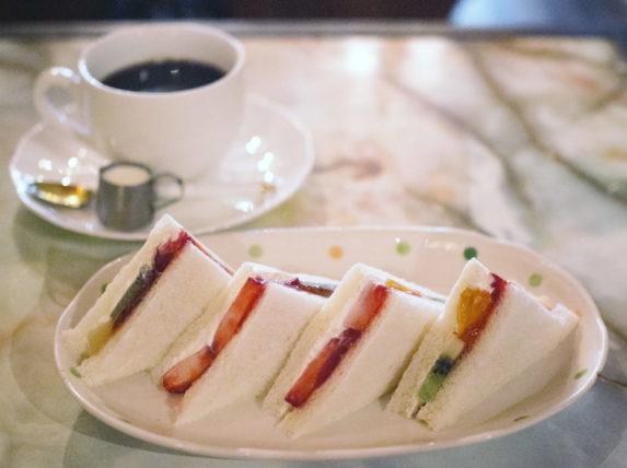 純喫茶ジャワのフルーツサンド
