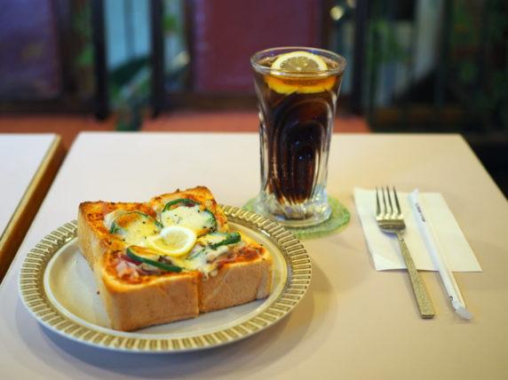 喫茶アムールのピザトーストセット