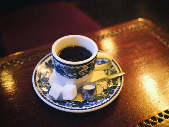 喫茶ラテンのホットコーヒー