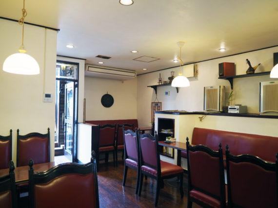 純喫茶コーヒールンバの店内