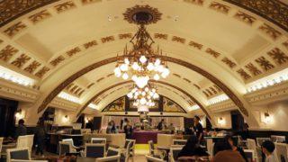 イケフェス会場のシャンデリアテーブル