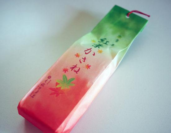 七條甘春堂・紅葉かさねのパッケージ