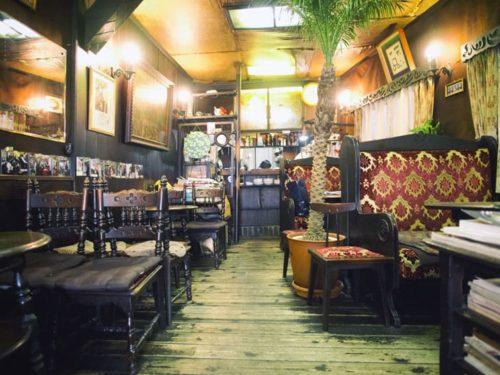 喫茶エデンの店内
