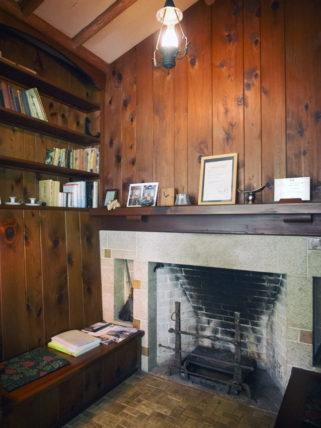 ヴォーリズ六甲山荘の暖炉