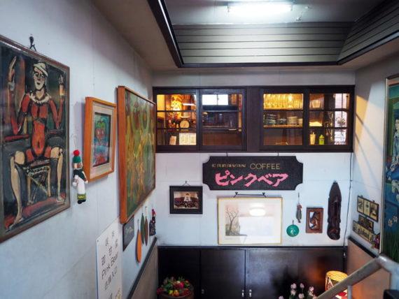 弘前・ピンクベアの廊下