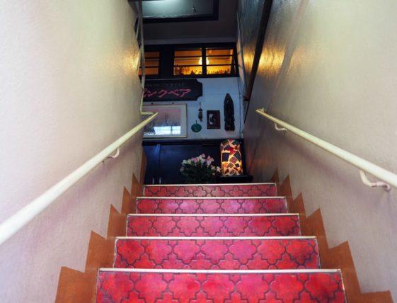 弘前・ピンクベアの階段