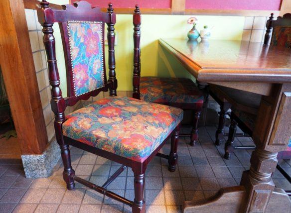 門洋菓子店の椅子