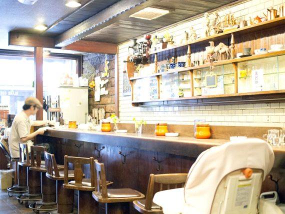アラビヤコーヒーのカウンター
